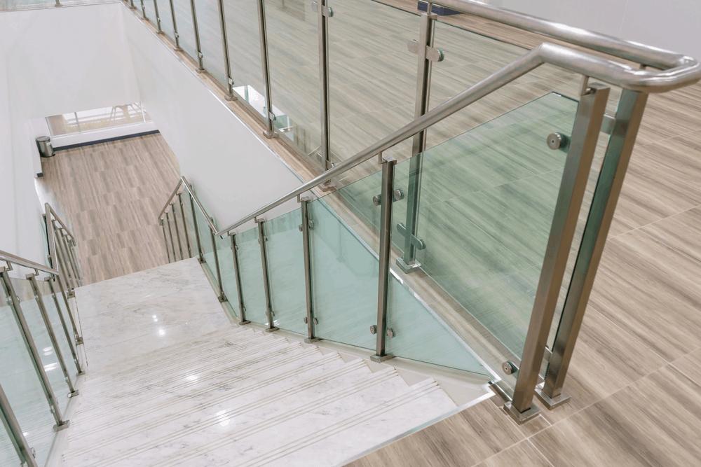 Barandales de acero Inoxidable y accesorios de escalera